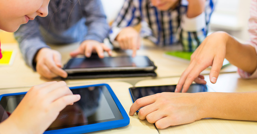Effective Ways on How to Use Mobile Technology in the Classroom