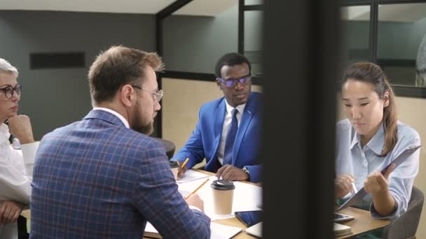 Workplace behavior based on the race differences
