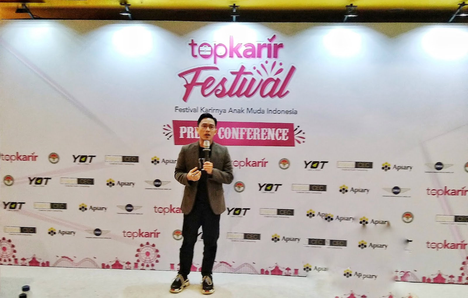 TopKarir Startup Provides Quick Career Information for Indonesia Young Generation