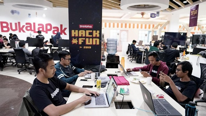 Tokopedia, Bukalapak and Traveloka Consider Work From Home