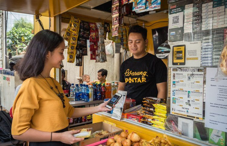 Warung Pintar Provides a Digital-based Social Aid Distribution Services