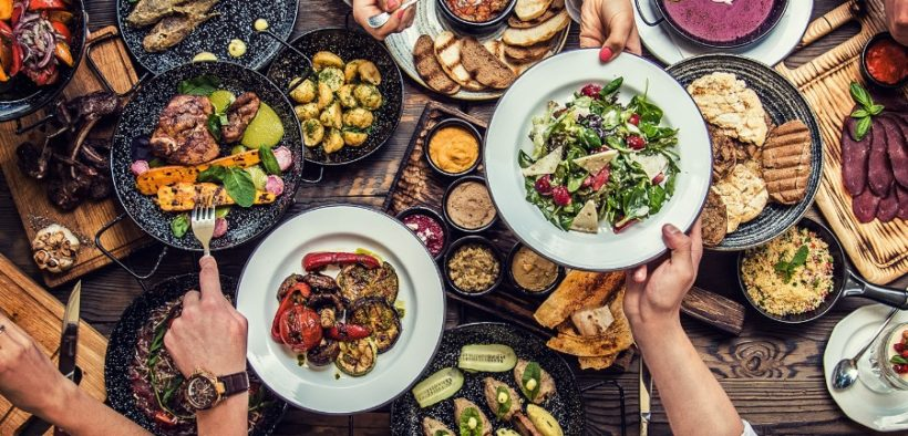 TOP 7 ONLINE FOOD DELIVERY APPS IN THE WORLD