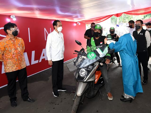 Gojek and Halodoc Expand Drive-Thru Vaccine Services